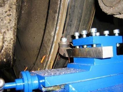 Портативный колесотокарный станок для обточки колёс вагонов и тепловозов